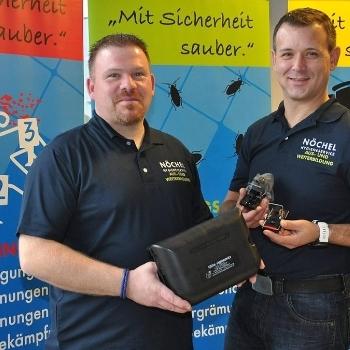 Schädlingsbekämpfung & Tatortreinigung mit Hilfsmitteln wie Schutzanzug | Björn Nöchel Hygieneservice